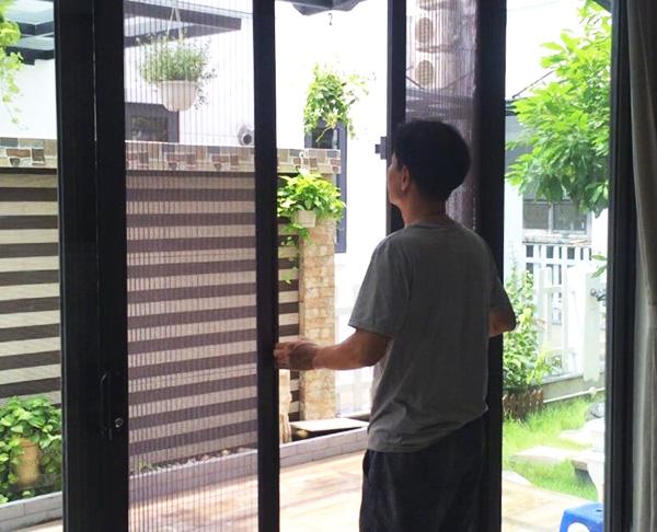 cửa chống muỗi hệ lùa